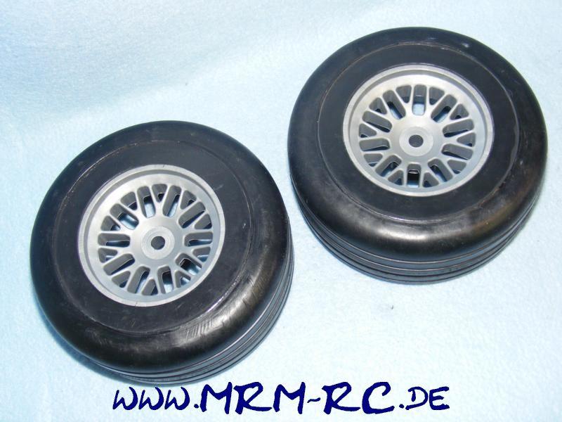 2 Räder Rad Reifen Felgen FG Formel1 F1 NEU 676